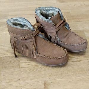Mocassin booties